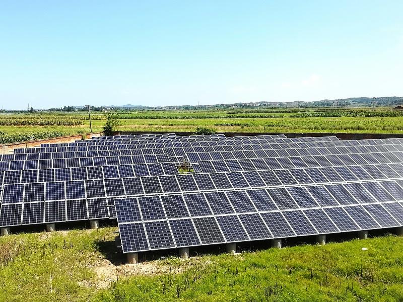 摄图网_501386403_太阳能发电板(非企业商用)